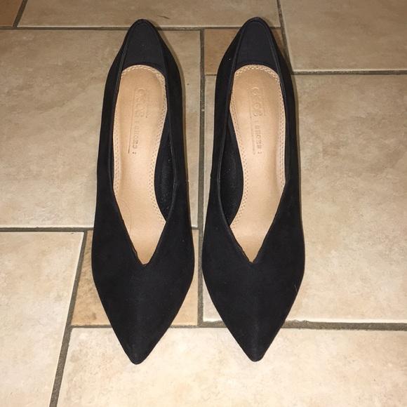 85ae73256958 ASOS Shoes - Black suede v cut pumps
